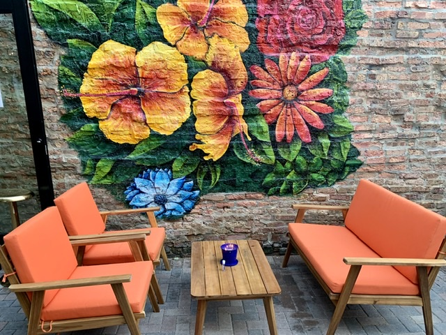 Dandy Crown outdoor patio